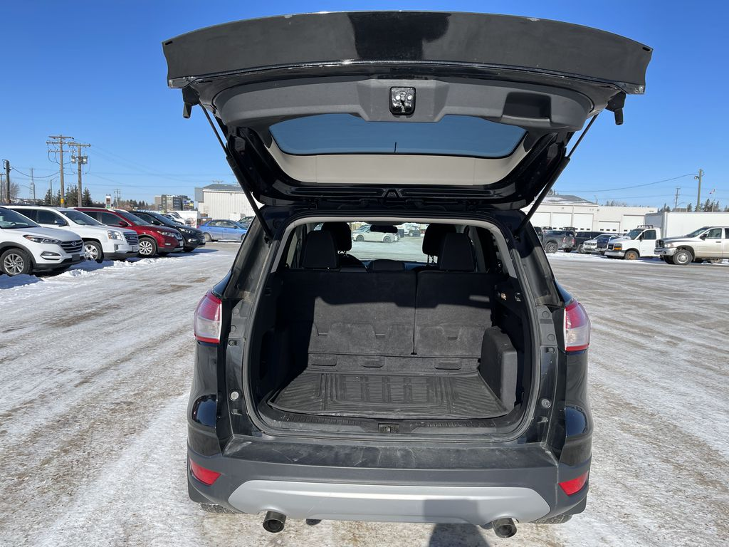 Black 2015 Ford Escape FWD 4dr SE *Heated Seats* *Backup Cam* *Bluetooth* Additional Photo in Brandon MB