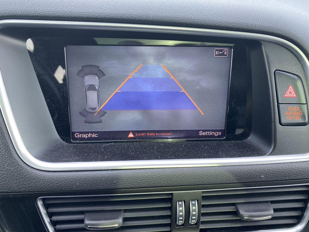 Black[Brilliant Black] 2017 Audi SQ5 Backup Camera Closeup Photo in Edmonton AB