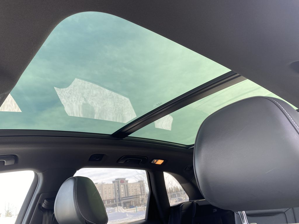 Black[Brilliant Black] 2017 Audi SQ5 Sunroof Photo in Edmonton AB