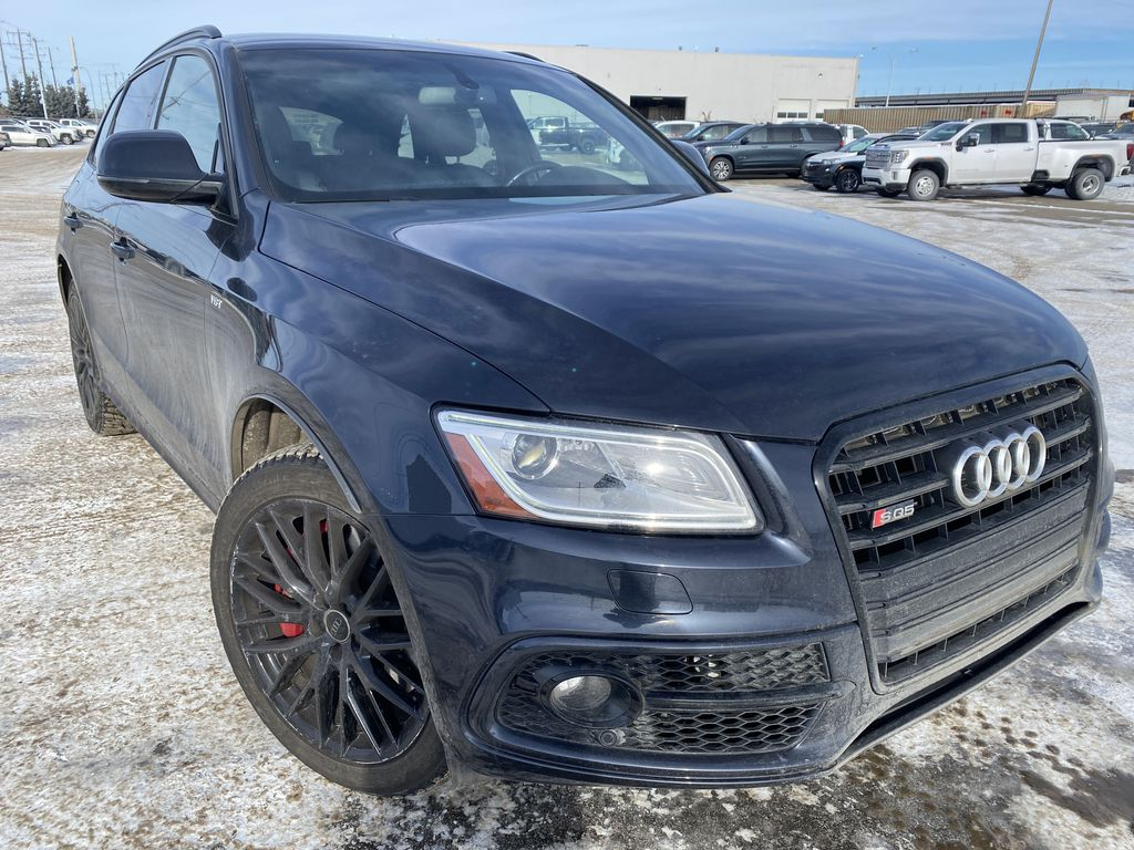 Black[Brilliant Black] 2017 Audi SQ5 Right Front Corner Photo in Edmonton AB