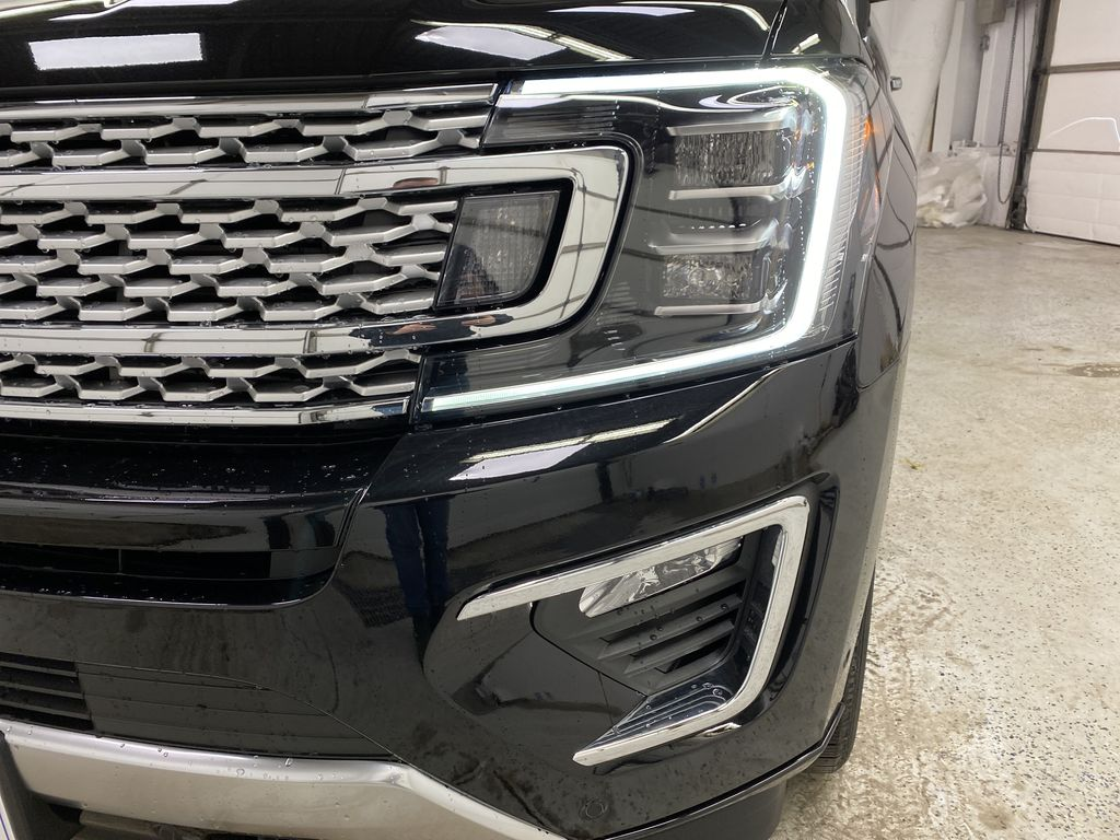 Black[Agate Black] 2021 Ford Expedition Left Front Head Light / Bumper and Grill in Dartmouth NS