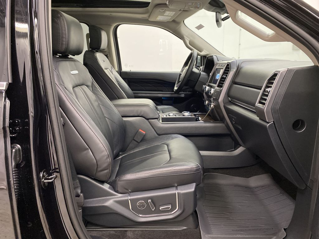 Black[Agate Black] 2021 Ford Expedition Right Side Front Seat  Photo in Dartmouth NS