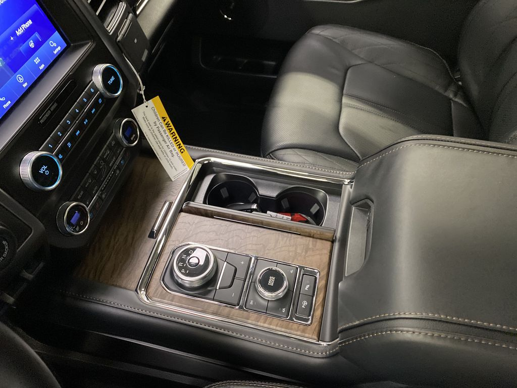 Black[Agate Black] 2021 Ford Expedition Center Console Photo in Dartmouth NS