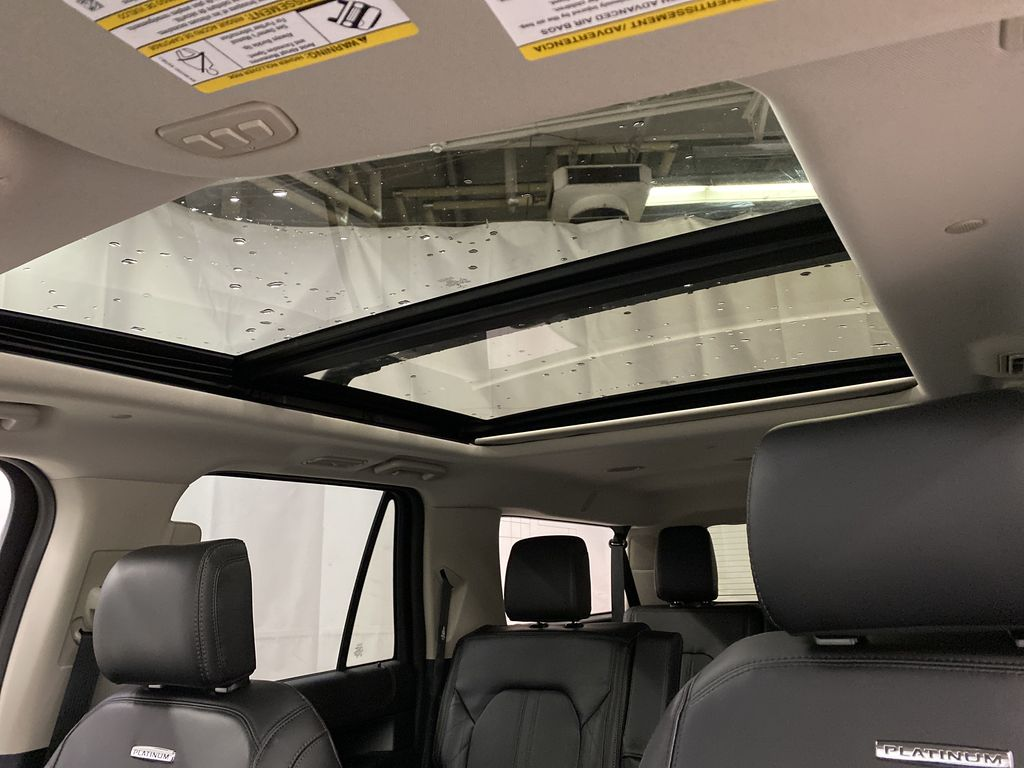 Black[Agate Black] 2021 Ford Expedition Sunroof Photo in Dartmouth NS