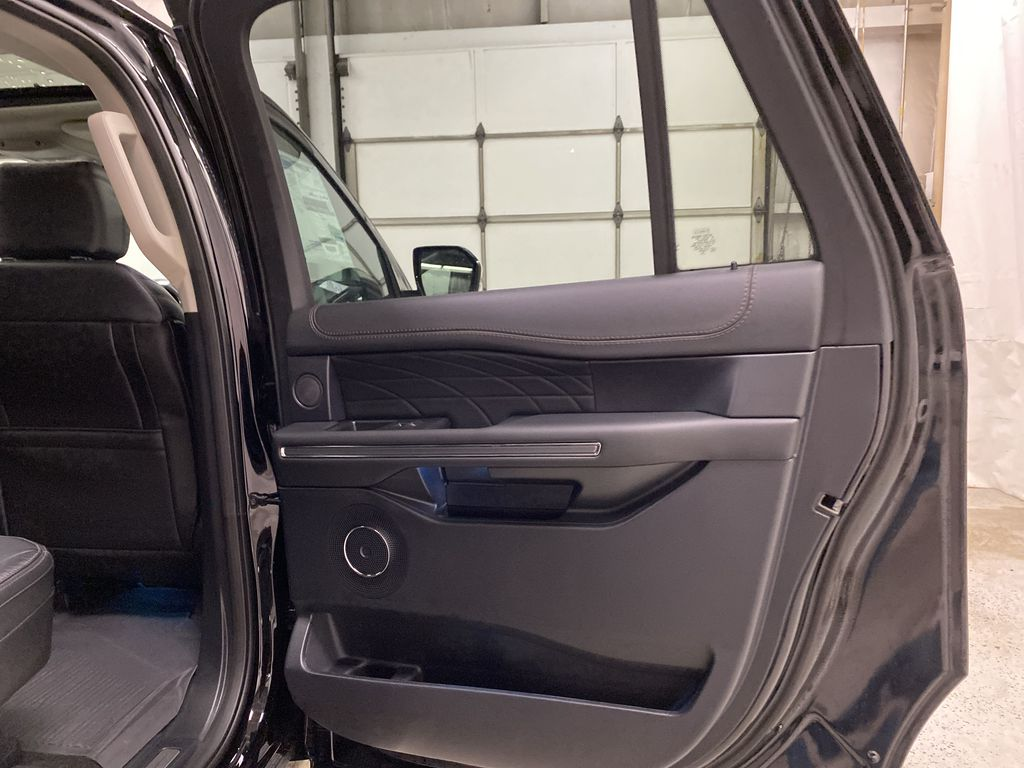 Black[Agate Black] 2021 Ford Expedition Right Rear Interior Door Panel Photo in Dartmouth NS