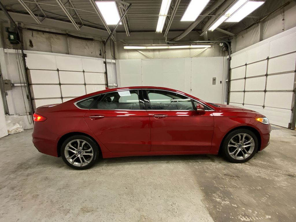 Red[Rapid Red Metallic Tinted Clearcoat] 2020 Ford Fusion Hybrid Right Side Photo in Dartmouth NS