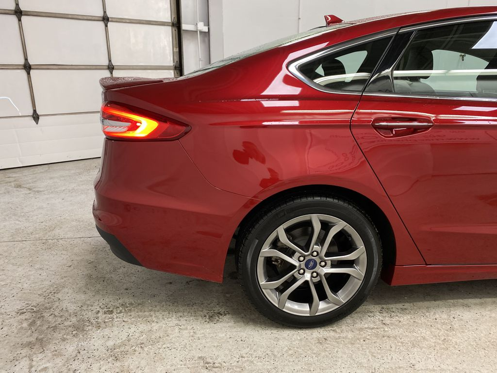 Red[Rapid Red Metallic Tinted Clearcoat] 2020 Ford Fusion Hybrid Right Rear Corner Photo in Dartmouth NS