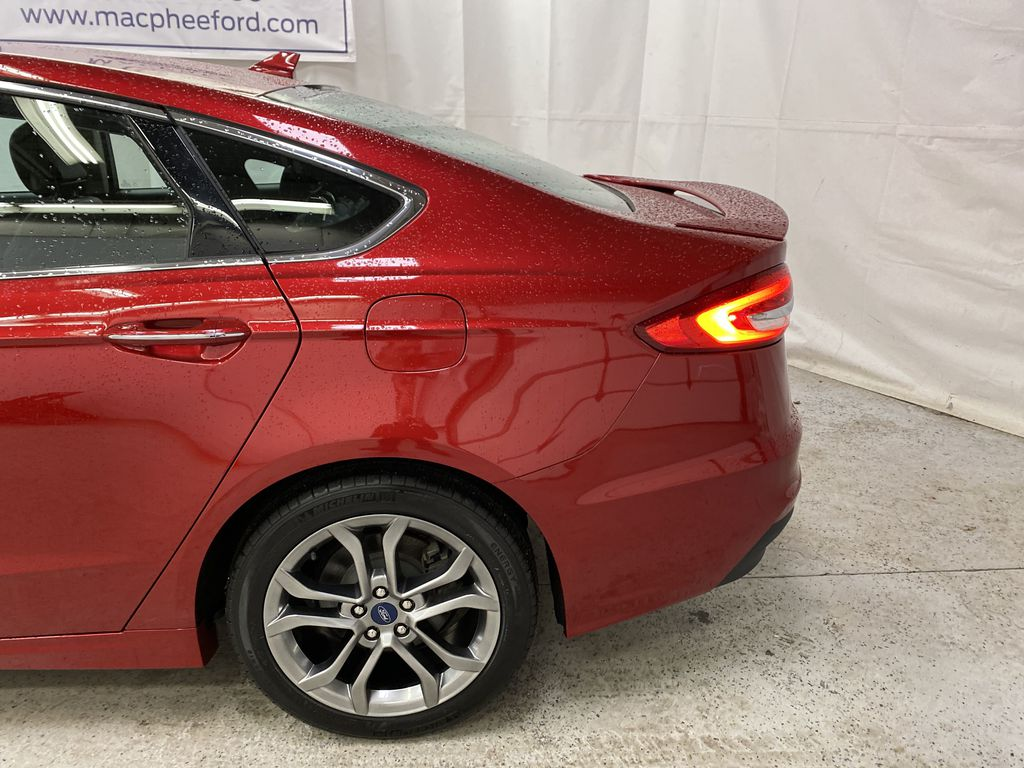 Red[Rapid Red Metallic Tinted Clearcoat] 2020 Ford Fusion Hybrid Left Rear Corner Photo in Dartmouth NS