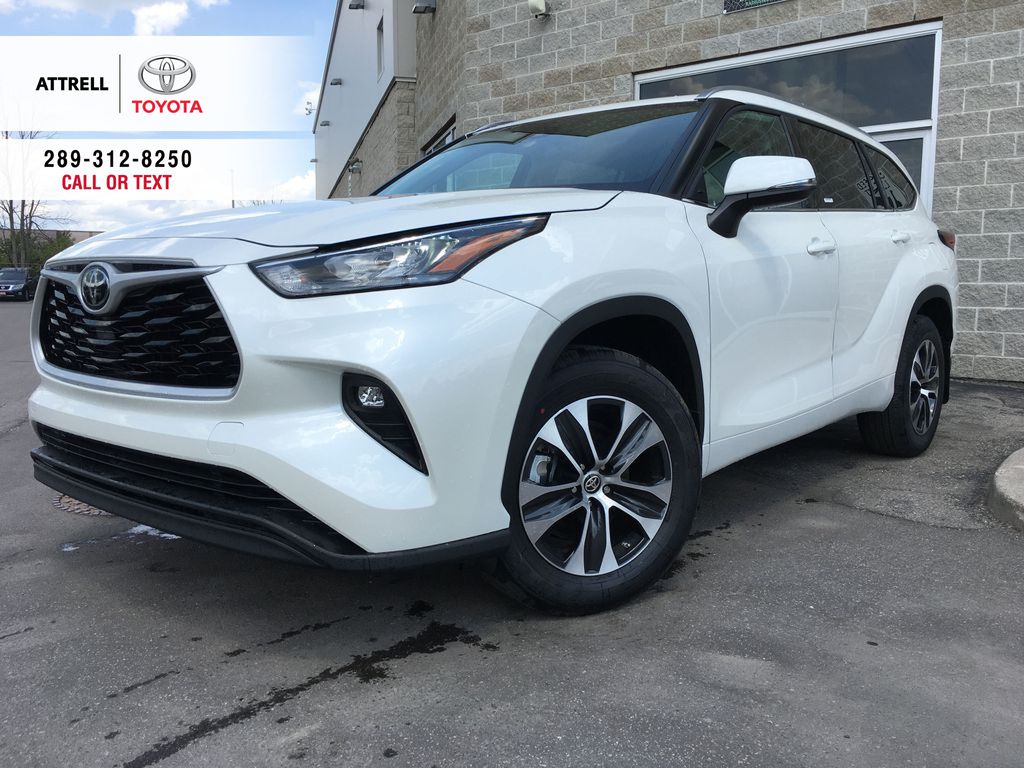 White[Blizzard Pearl] 2021 Toyota Highlander AWD XLE Standard Package GZRBHT AG