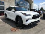 White[Blizzard Pearl] 2021 Toyota Highlander AWD XLE Standard Package GZRBHT AG Right Side Rear Seat  Photo in Brampton ON