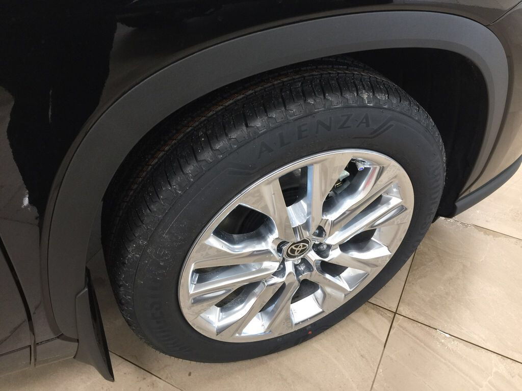 Black[Midnight Black Metallic] 2021 Toyota Highlander Limited Right Front Rim and Tire Photo in Sherwood Park AB