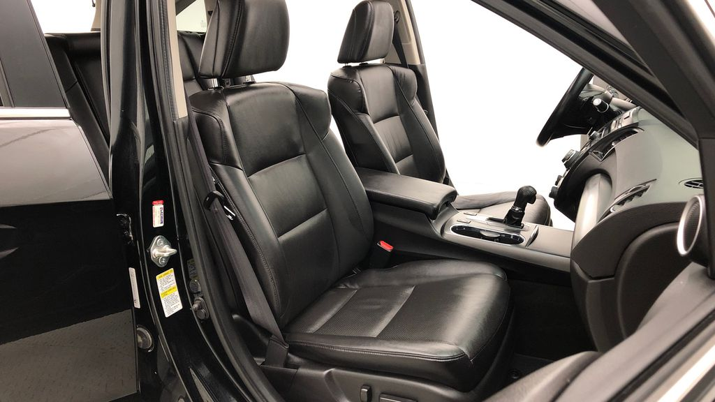 Black[Crystal Black Pearl] 2015 Acura RDX Tech Pkg AWD - Sunroof, Navigation, Leather, Bluetooth Right Side Front Seat  Photo in Winnipeg MB