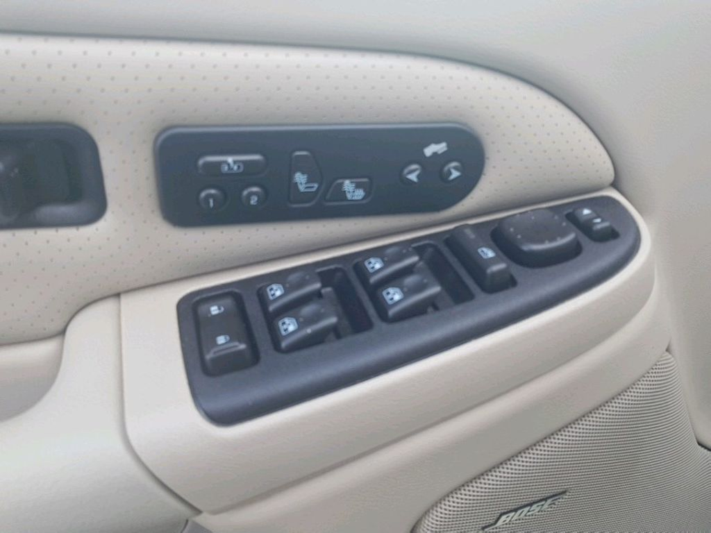 2005 Cadillac Escalade EXT Left Side Rear Seat  Photo in Barrhead AB