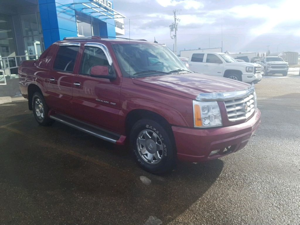 2005 Cadillac Escalade EXT Left Front Rim and Tire Photo in Barrhead AB