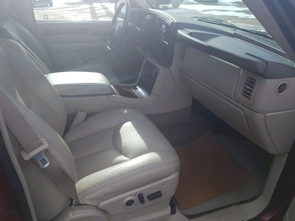 2005 Cadillac Escalade EXT Front Vehicle Photo in Barrhead AB