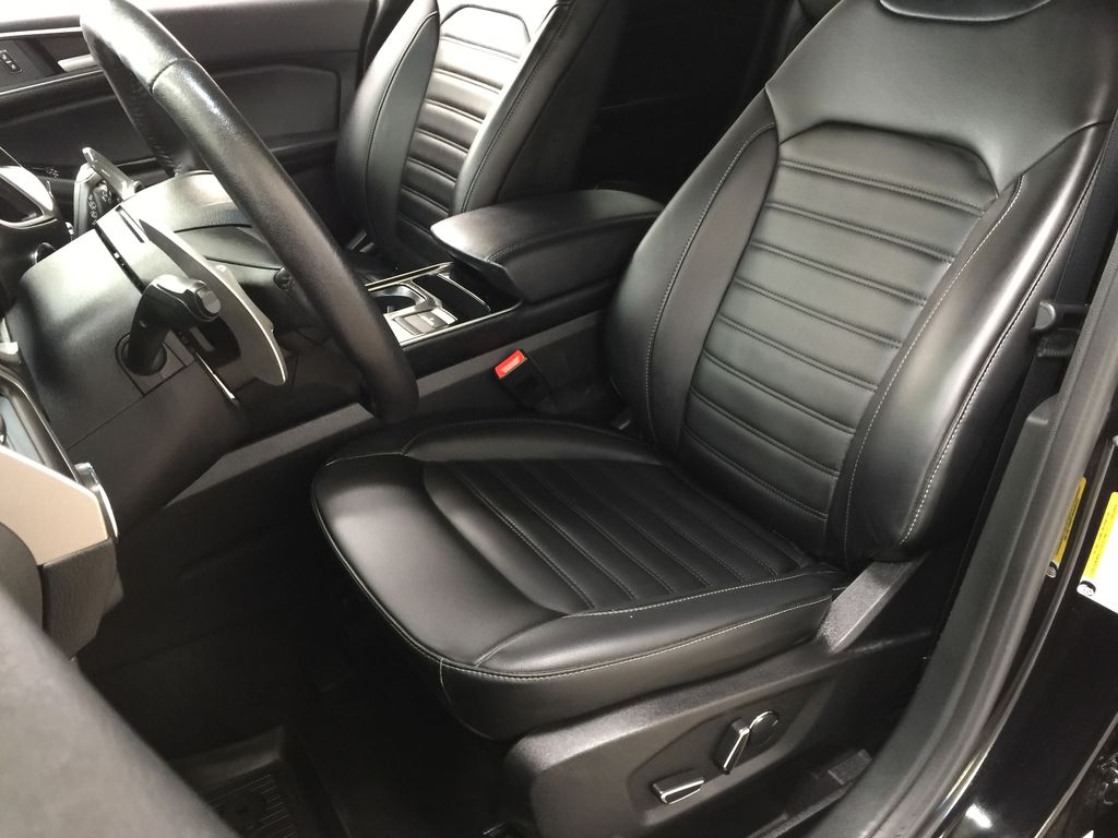 Black[Agate Black] 2019 Ford Edge SEL / LEATHER PANORAMIC SUNROOF Left Front Interior Photo in Sherwood Park AB