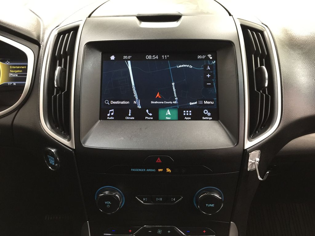 Black[Agate Black] 2019 Ford Edge SEL / LEATHER PANORAMIC SUNROOF Central Dash Options Photo in Sherwood Park AB