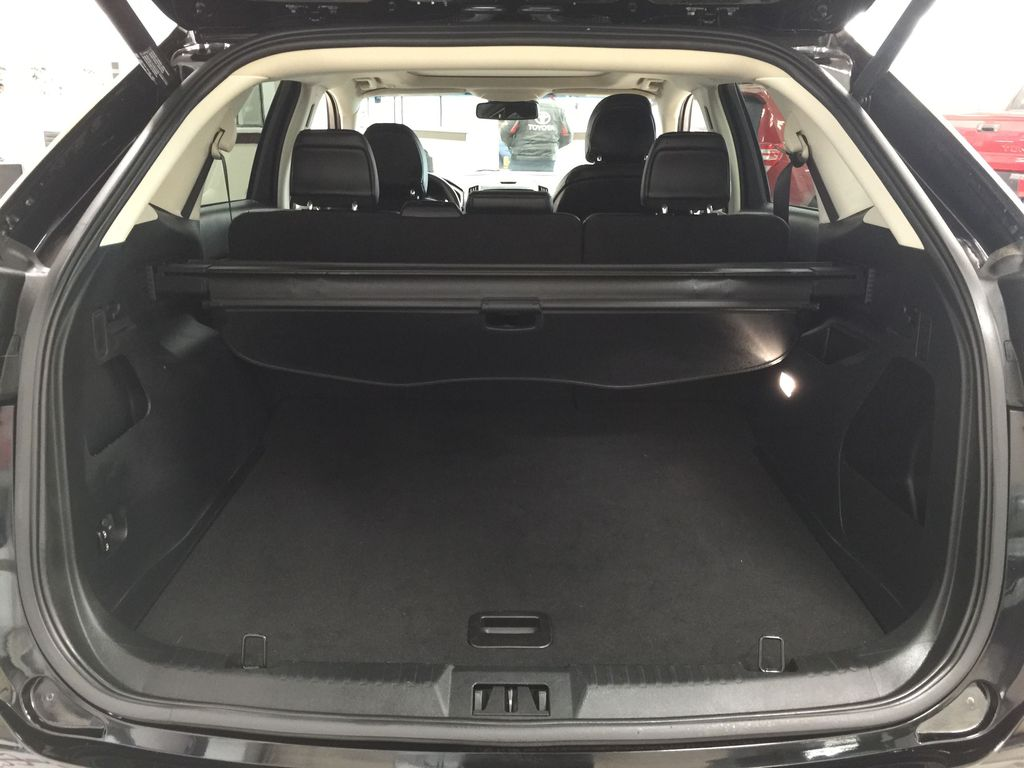 Black[Agate Black] 2019 Ford Edge SEL / LEATHER PANORAMIC SUNROOF Cargo Area/Rear Seats Photo in Sherwood Park AB