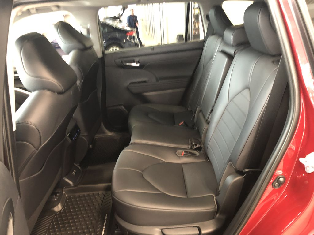 Ruby Flare Pearl 2021 Toyota Highlander XLE Engine Compartment Photo in Edmonton AB