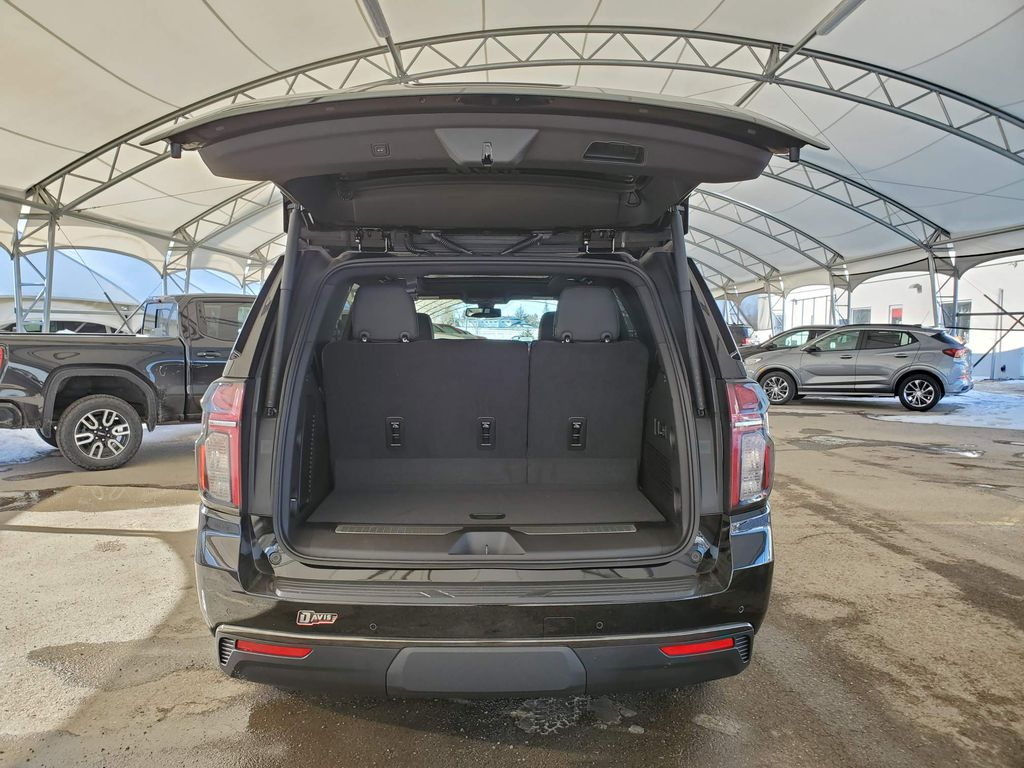 Black 2021 Chevrolet Tahoe Right Rear Corner Photo in Airdrie AB