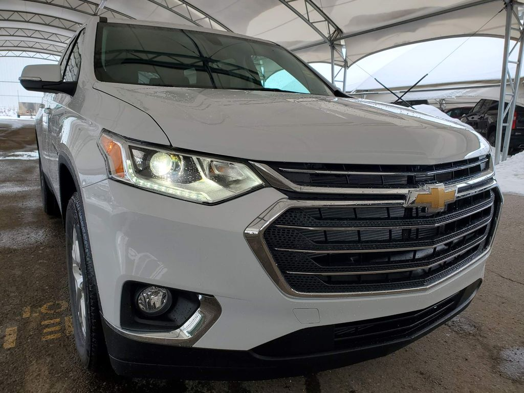 White 2021 Chevrolet Traverse