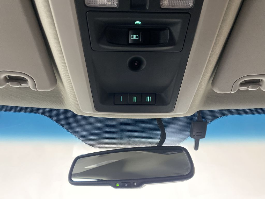 WHTIE 2011 Ram 1500 Sport - Heated/Cooled Font Seats, Power Front Seats Additional Photo in Edmonton AB