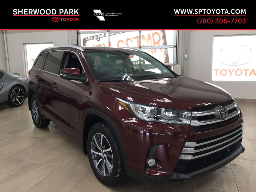 Red[Ooh La La Rouge Mica] 2018 Toyota Highlander XLE AWD