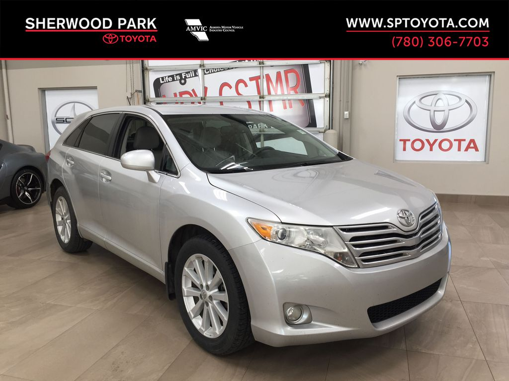 Silver[Classic Silver Metallic] 2011 Toyota Venza AWD / CLEAR OUT SPECIAL