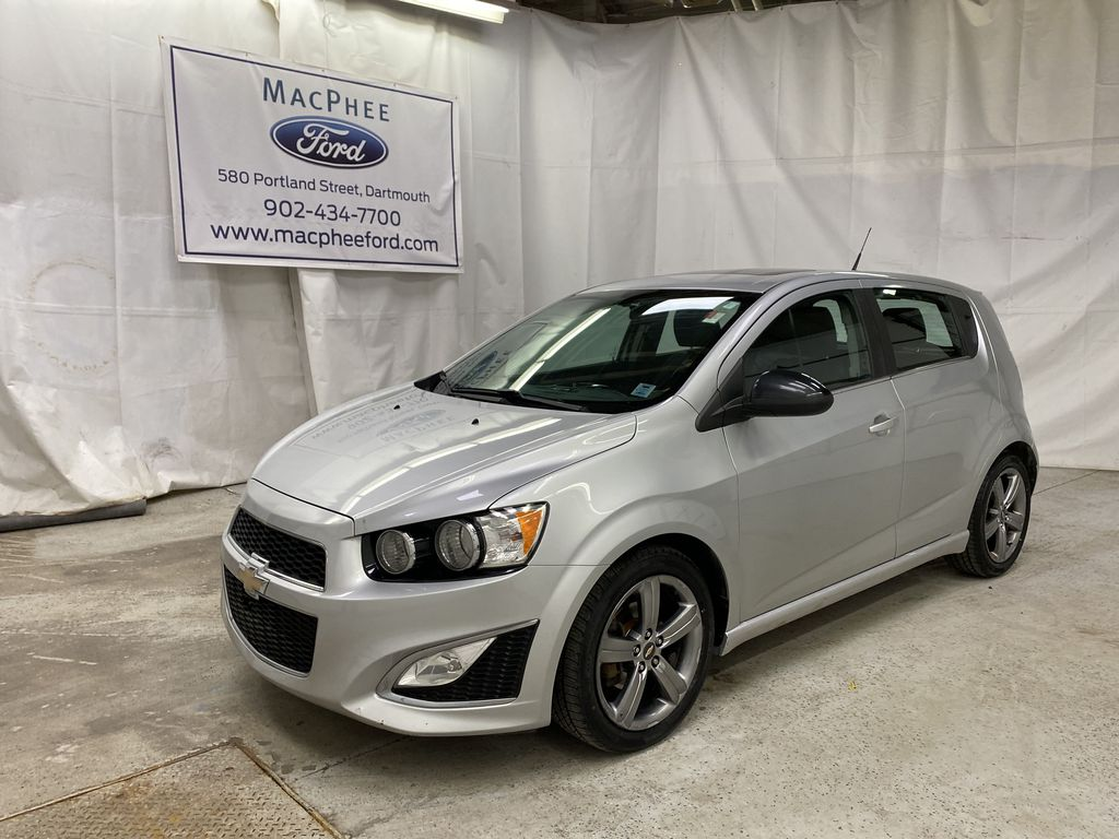 Silver[Silver Ice Metallic] 2014 Chevrolet Sonic