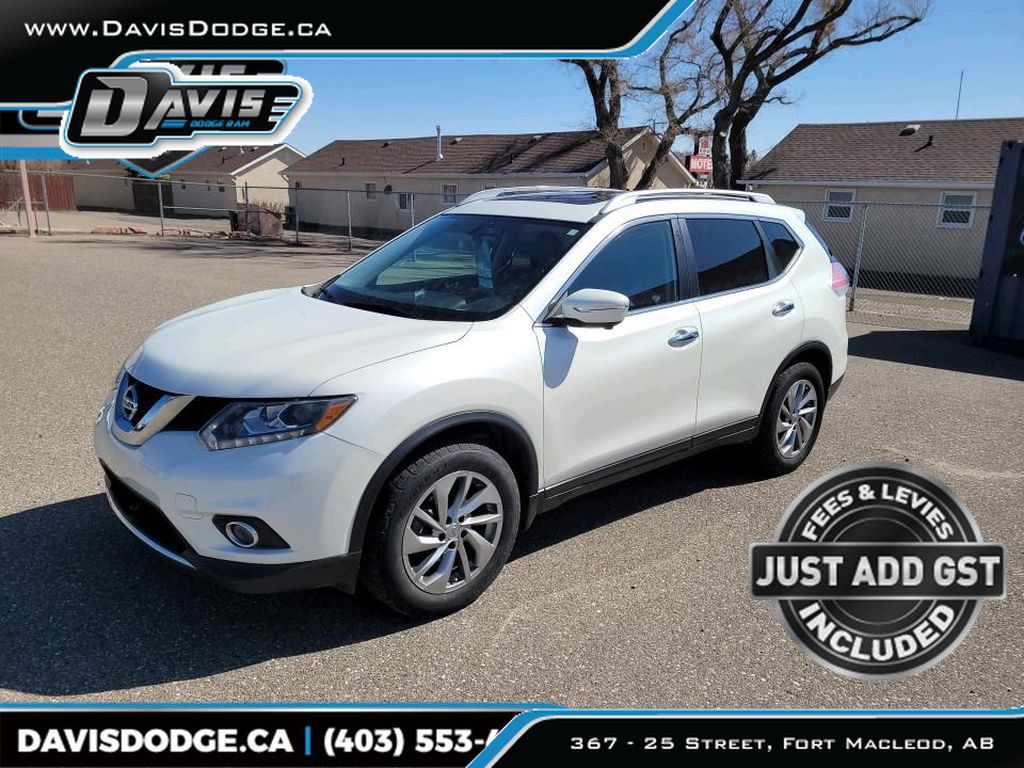 White 2015 Nissan Rogue