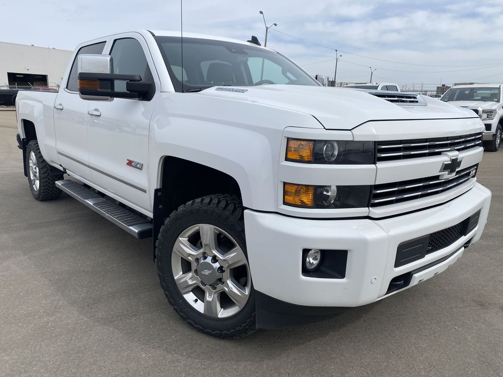 White[Summit White] 2018 Chevrolet Silverado 2500HD