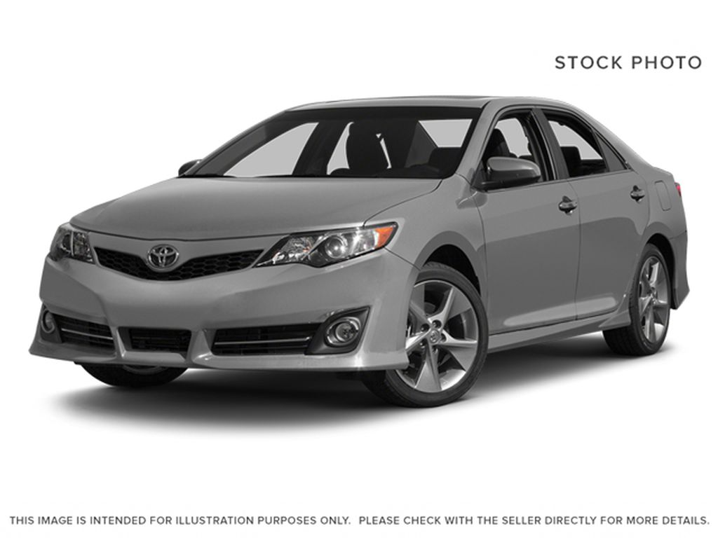 Silver[Classic Silver Metallic] 2014 Toyota Camry
