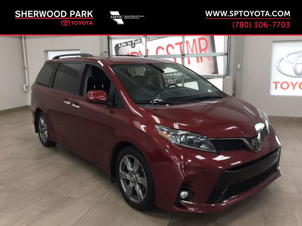 Red[Salsa Red Pearl] 2019 Toyota Sienna SE