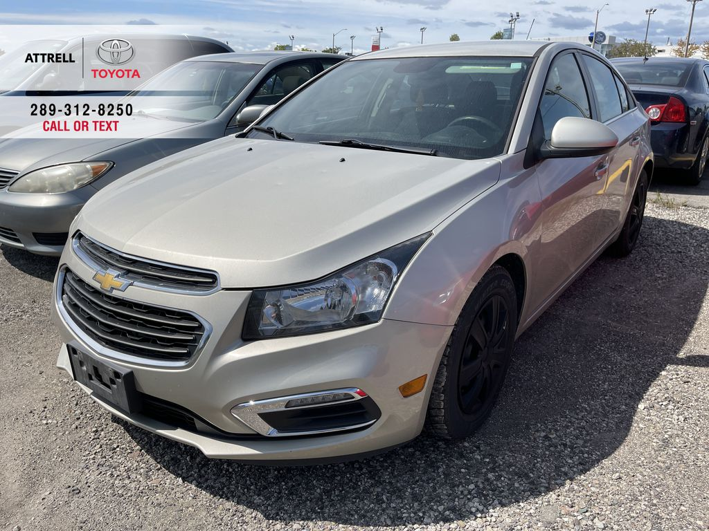 Gold[Champagne Silver Metallic] 2015 Chevrolet Cruze clean