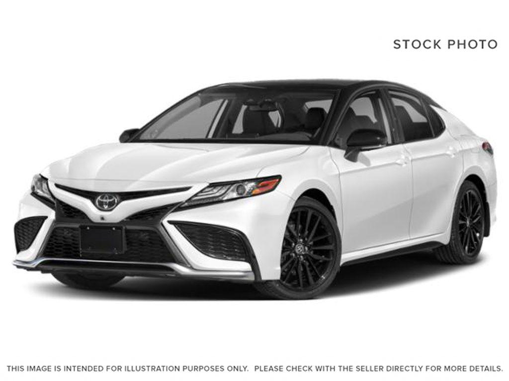 White[Wind Chill Pearl/Midnight Black Metallic] 2022 Toyota Camry