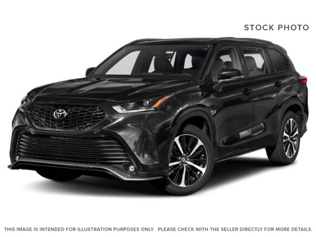 Black[Midnight Black Metallic] 2021 Toyota Highlander