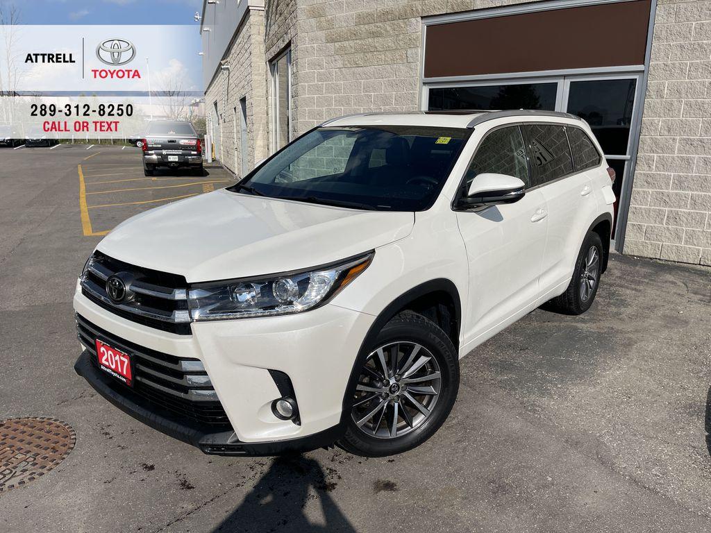 White[Blizzard Pearl] 2017 Toyota Highlander clean