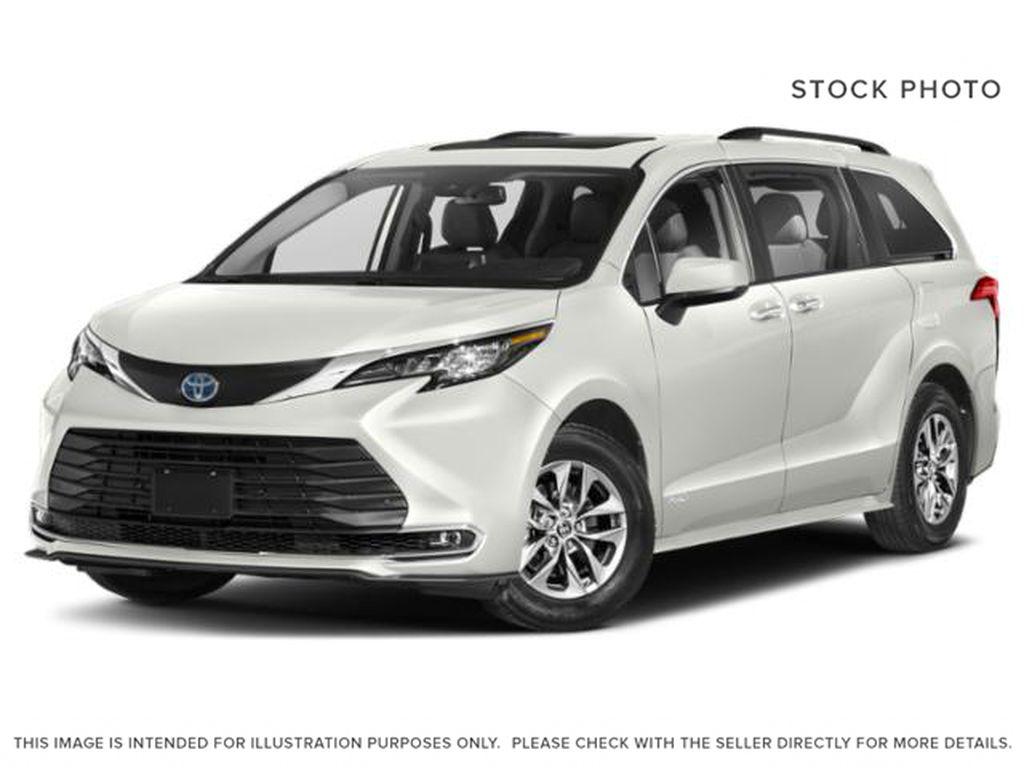 White[Blizzard Pearl] 2021 Toyota Sienna