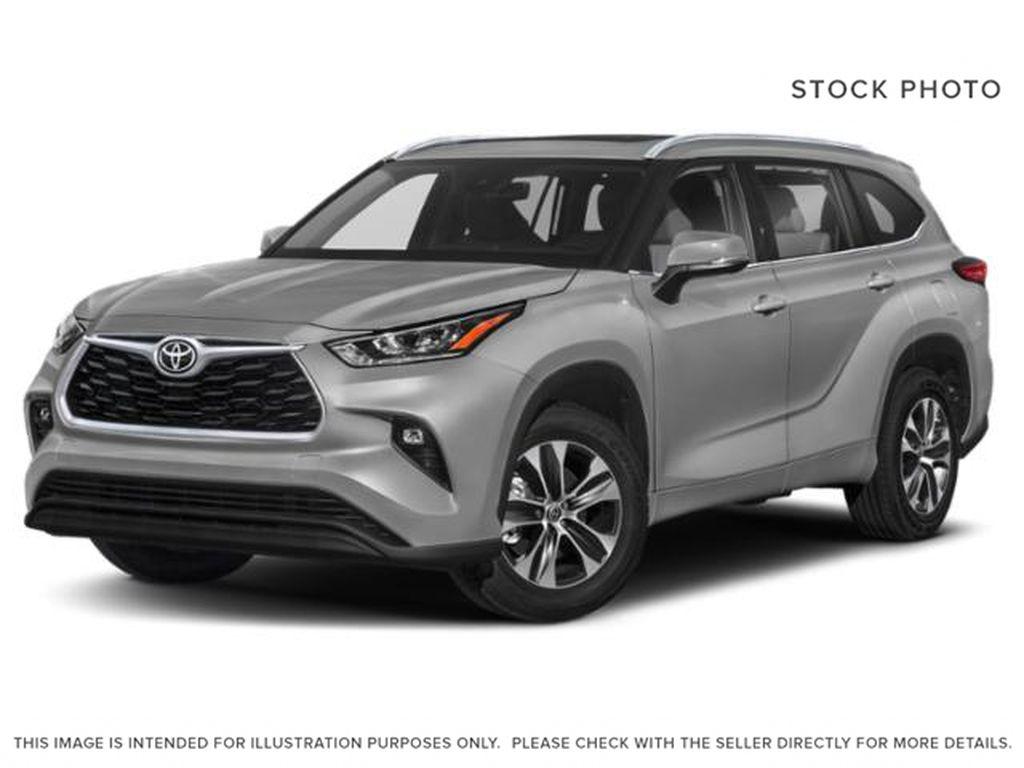 Silver[Celestial Silver Metallic] 2021 Toyota Highlander