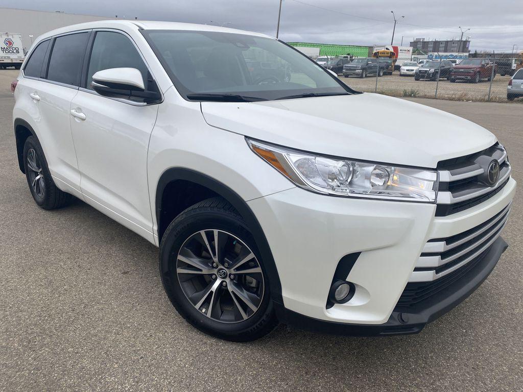White 2018 Toyota Highlander