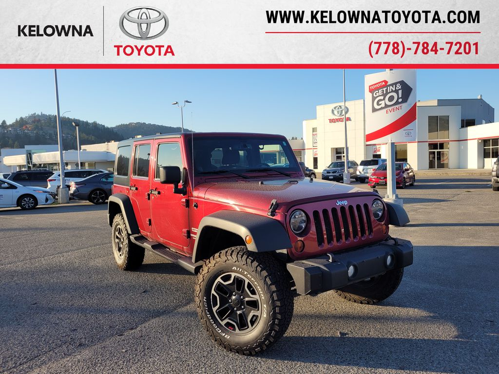 Maroon[Deep Cherry Red Crystal Pearl] 2013 Jeep Wrangler Unlimited