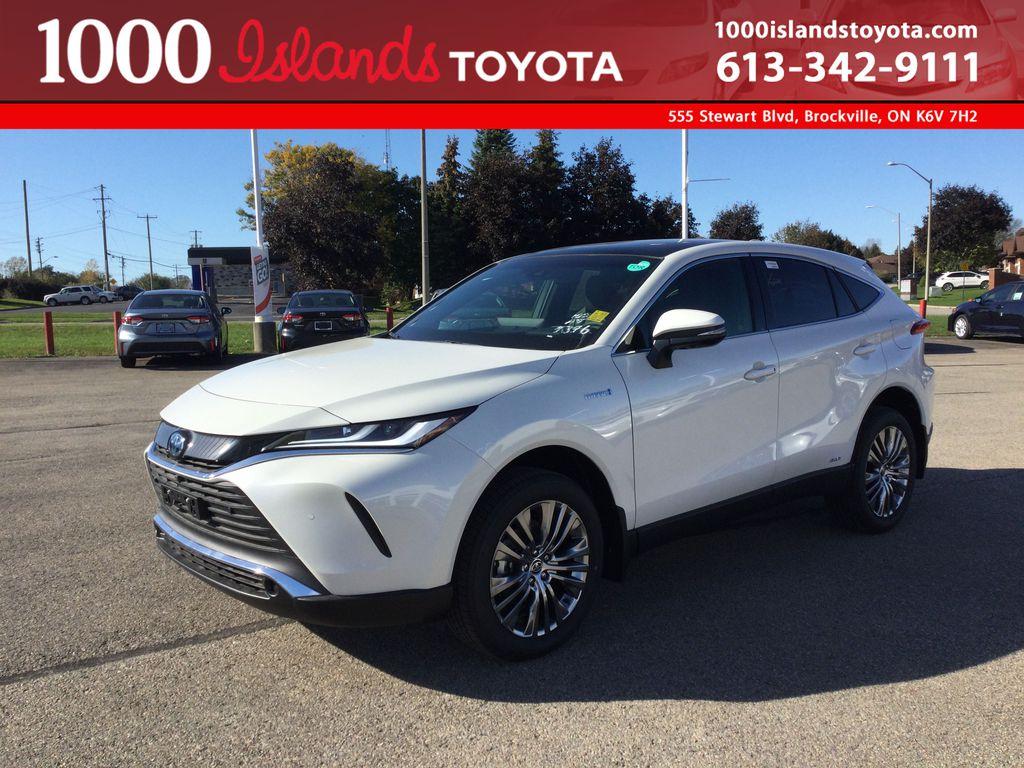White[Blizzard Pearl] 2021 Toyota Venza