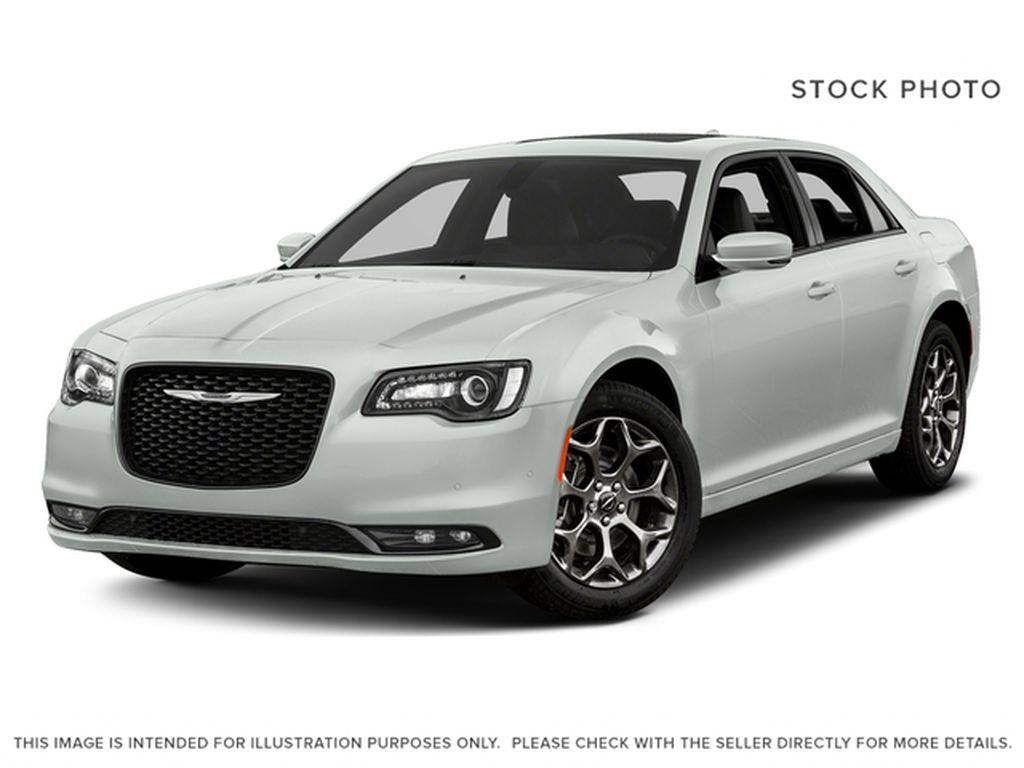 White[Bright White] 2018 Chrysler 300