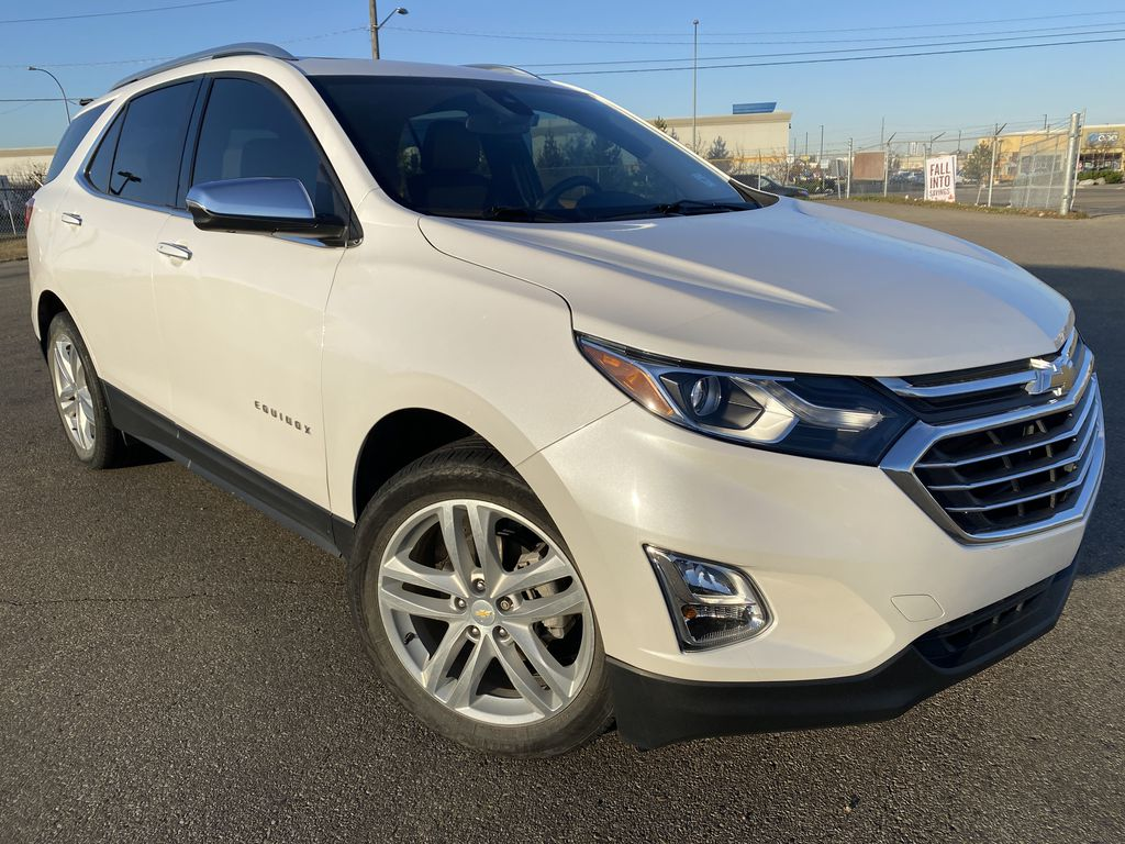 White[Iridescent Pearl Tricoat] 2018 Chevrolet Equinox