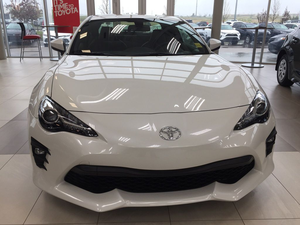 White[Halo] 2020 Toyota 86 GT Front Vehicle Photo in Sherwood Park AB