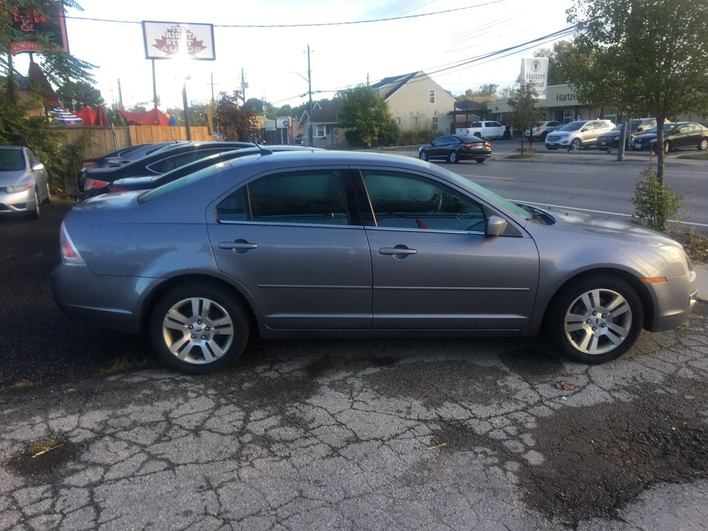 Gray[Silver Birch Metallic] 2007 Ford Fusion Right Side Photo in St.Catherines ON