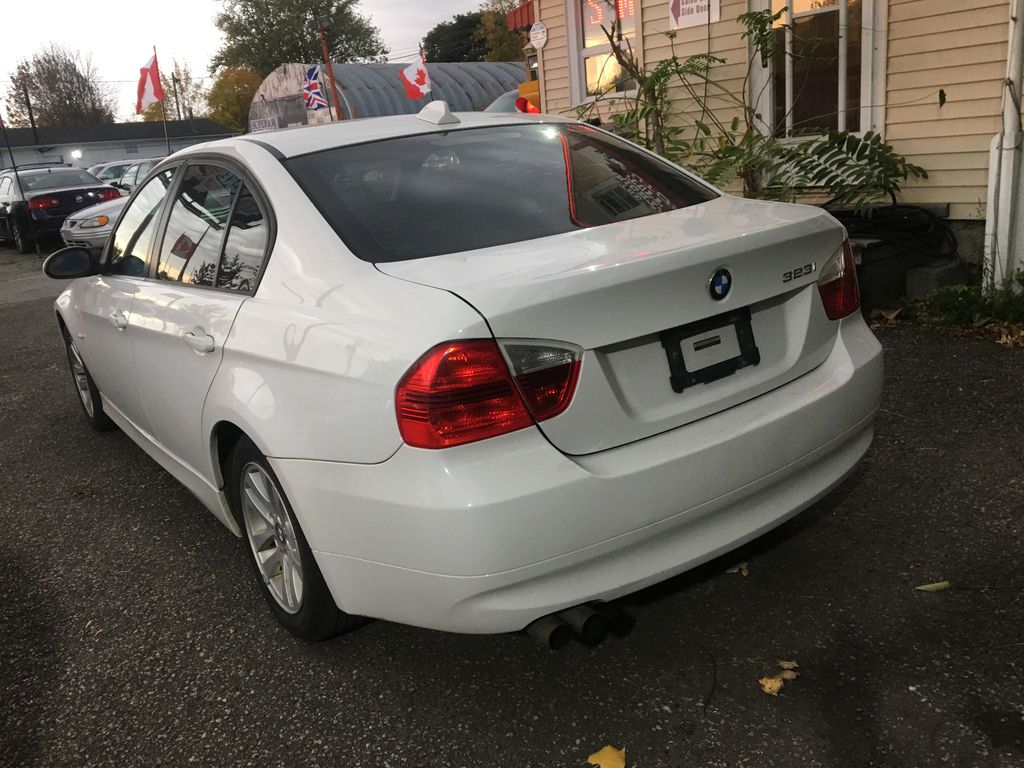 """White[Alpine White] 2008 BMW 3 Series, 323i , """""""" CERTIFIED """""""" Right Side Photo in St.Catherines ON"""
