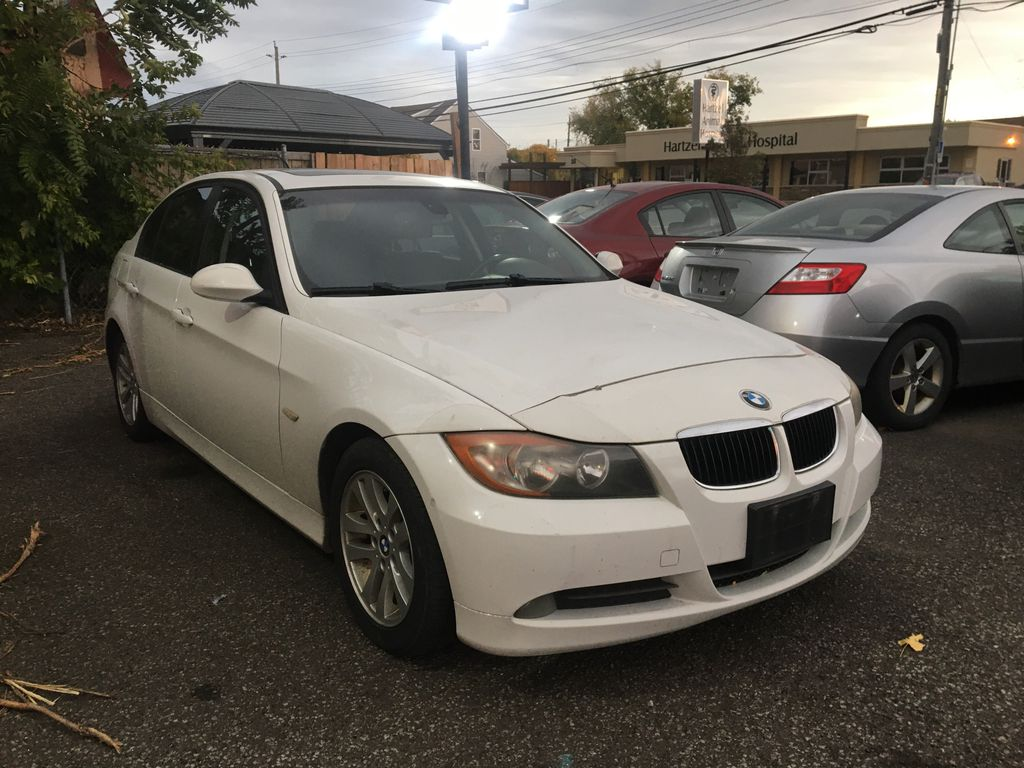 """White[Alpine White] 2008 BMW 3 Series, 323i , """""""" CERTIFIED """""""" Left Side Photo in St.Catherines ON"""