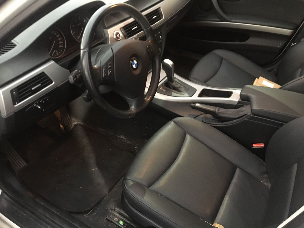 """White[Alpine White] 2008 BMW 3 Series, 323i , """""""" CERTIFIED """""""" Left Front Interior Photo in St.Catherines ON"""