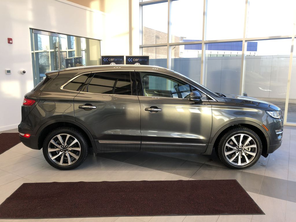 Gray[Magnetic Grey Metallic] 2019 Lincoln MKC Right Side Photo in Edmonton AB